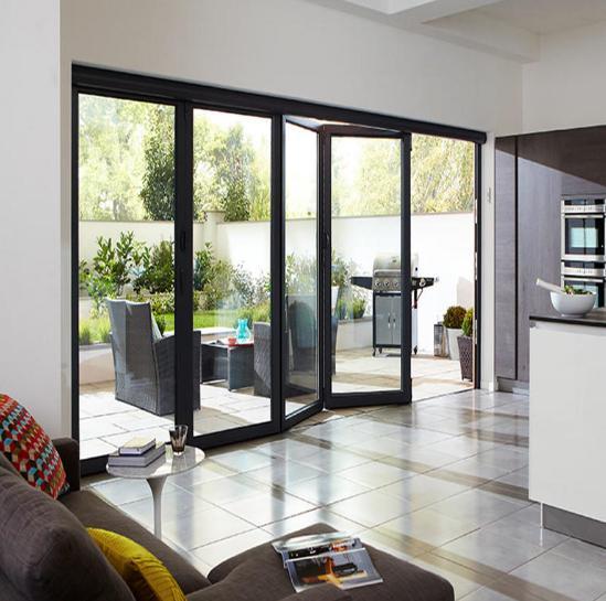Bi-fold Window Horizontal untuk Ruang Keluarga