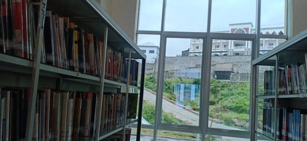 Jendela Aluminium Ruang Perpustakaan