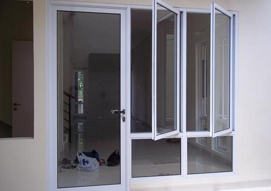 Jendela Aluminium dan Pintu Aluminium Full Set