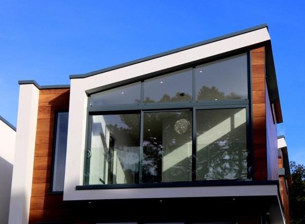 Jendela Aluminium untuk Rumah Teras Lantai 2
